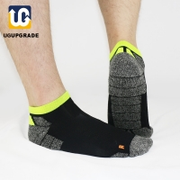 UG all season Professional Men Sport Socks Bradyseism Running Sock Quick Dry Climbing Gym Fitness calcetines ciclismo