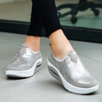 2020 Fashion Thick Sole Shoes Ladies Wedge Sneakers Slip On Fitness Shoes Women Outdoor Shock Absorber Rocking Shoes
