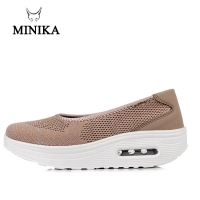 Minika 2019 Spring Women Flat Platform Lazy Shoes Woman Breathable Fly Wire Toning Shoes Zapatos Mujer Ladies Boat Shoes Fitness