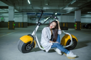 2016 18inch Two Wide Tires 2* 800W Motor Long Range 80km E-scooter Bluebooth APP Electric Unicycle Scooter